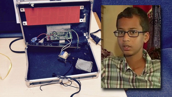 ahmed-mohamed-clock.jpg