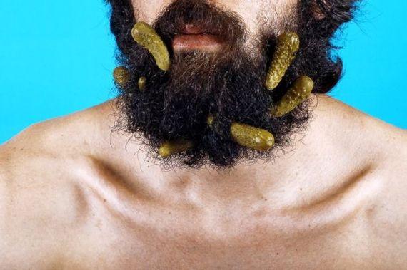 eating-with-beard02.jpg