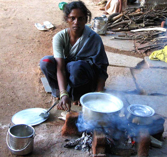 Indian-woman-cooking-rice.jpg