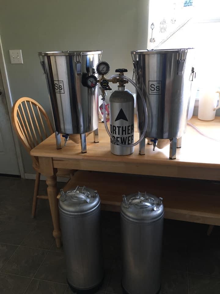 Kegs n fermentors.jpg