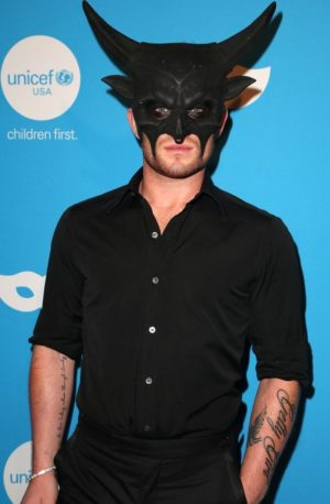 will-forte-lydia-hearst-claire-holt-get-dressed-up-for-unicefs-masquerade-17-e1572026409139.jpg